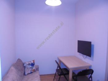 Apartament 1+1 me qera prane Pallatit te Sportit Asllan Rusi, ne rrugen Mic Sokoli ne Tirane Ndodhe