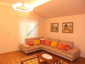 Apartament 3+1 me qera prane zones se Zogut te Zi, ne rrugen Mit Sokoli ne Tirane. Ndodhet ne katin