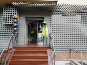 Store for rent in Zhan D'ark Boulevard in Tirana