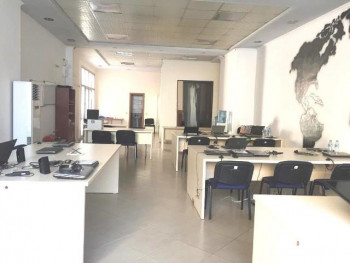 Office for rent close to Zogu I Boulevard in Tirana.