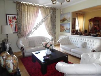 Apartament 3+1 per shitje ne rrugen Peti ne Tirane. Ndodhet ne katin e 2-te te nje kompleksi te ri