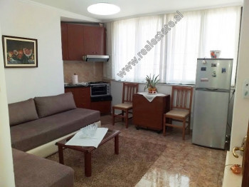 One bedroom apartment for rent in Barrikadave Street in Tirana. It is located on the 4th floor of a