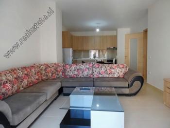 Apartament modern me qera ne rrugen Don Bosko ne Tirane. Ndodhet ne katin e 3-te ne nje pallat te r