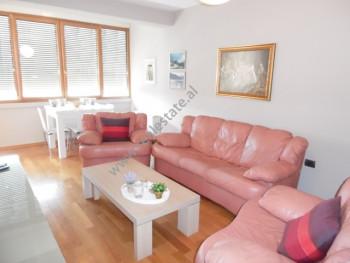 Apartament 2+1 me qera ne rrugen Dervish Hima ne Tirane.  Pozicionohet ne katin e 9-te te nje pall