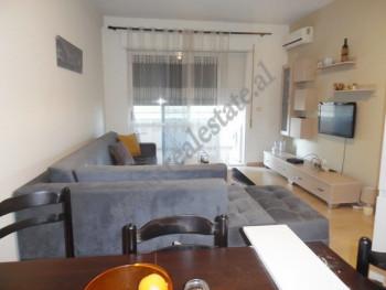 Apartament 1+1 me qira ne rrugen Selita e Vjeter ne Tirane. Pozicionohet ne katin e katert te nje p