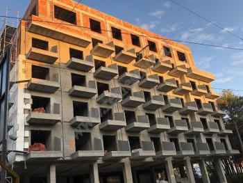 Hotel per shitje prane rruges Fan Noli ne Golem. Prona ka nje siperfaqe totale ndertim prej 4500 m2