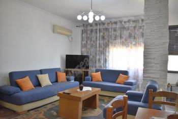 Apartament 2+1 me qira ne rrugen Xhemal Tafaj. Shtepia ndodhet ne katin e 8 te nje pallati te ri me