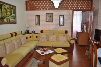 Apartament 1+1 i konvertuar ne 2+1 per shitje ne rrugen Medar Shtylla ne Tirane. Ndodhet ne katin e