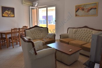 Apartament 1+1 me qira ne rrugen Dervish Hima ne Tirane.  Apartamenti ndodhet ne katin e dhjete te