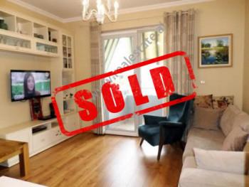 Apartament 2+1 per shitje ne rrugen e Kosovareve ne Tirane  Pozicionohet ne katin e 2-te te nje pa