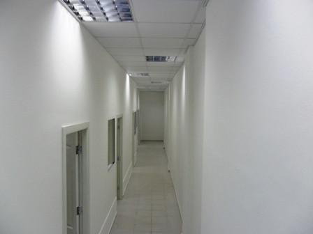 Office space for rent close to Wilson square. Total surface of 130 m2 composed by 5 offices, situate