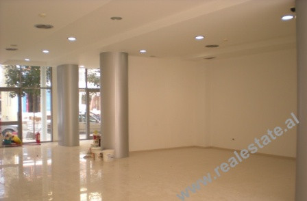 Store space for sale in Tirana. The store is situated on the 1st floor of a new building, with 142 m