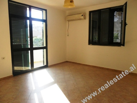 Office for rent in Barrikadave Street in Tirana.
