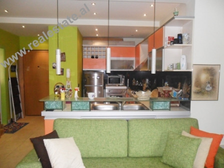 One bedroom apartment for rent at Kompleksi Dinamo area in Tirana. The apartment is situated on the