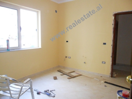 One-bed apartment for rent close to Hygeja Hospital in Tirana. The apartment is situated on the 2nd