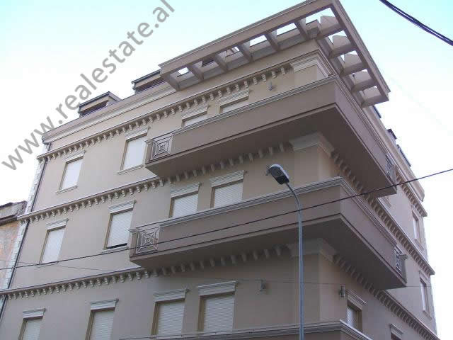 Office space for rent in Qemal Stafa Street, close to General Prosecution. The office is situated i