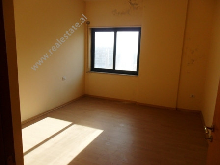 Office space for rent in Barrikadave Street in Tirana. The apartment is located on the 7-th floor in
