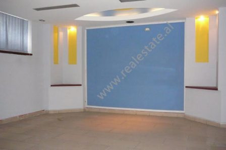 Store space for sale in Durresi street in Tirana.