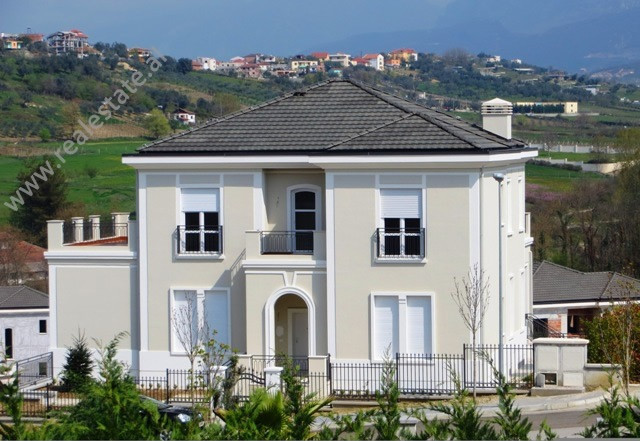 Villa for rent in Lunder area in Tirana. It is located in a residential complex with high security
