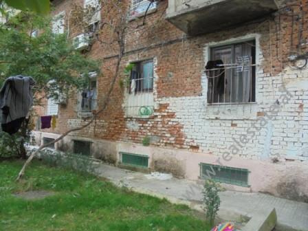 Apartament ne shitje ne rrugen Sulejman Delvina ne Tirane.Apartamenti ndodhet ne katin e pare te nje