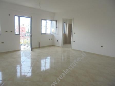 Apartament 1+1 ne shitje ne rrugen Hasan Vogli ne Tirane.Kjo zone eshte ne zhvillim e siper; ndryshe