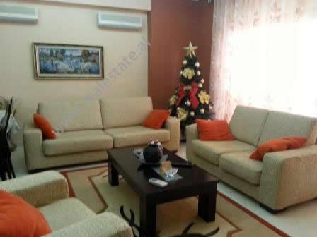 Apartament per shitje prane rruges Muhedin Llagani ne Tirane. Pozicionohet ne katin e 2-te ne nje k