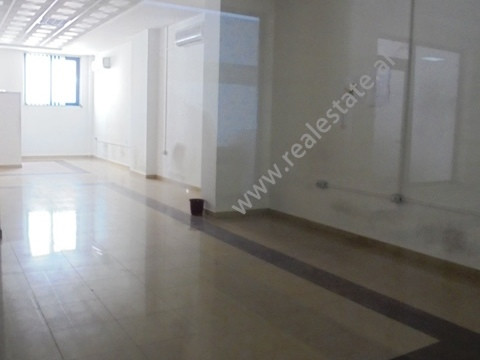 Office for rent in Qemal Stafa street in Tirana. Located in a central area on the first floor of a