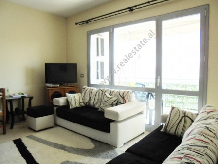 Three bedroom apartment for rent in Tirana, in Zogu i Zi area. Positioned on the 6th floor of a new