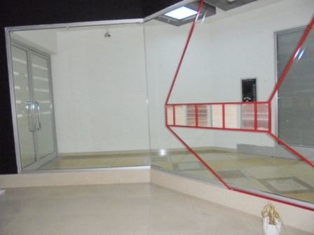 Store for rent in Deshmoret e Kombit boulevard in Tirana.