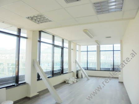 Office for rent in the center of Tirana. Positioned on the 9th floor of a new building with e