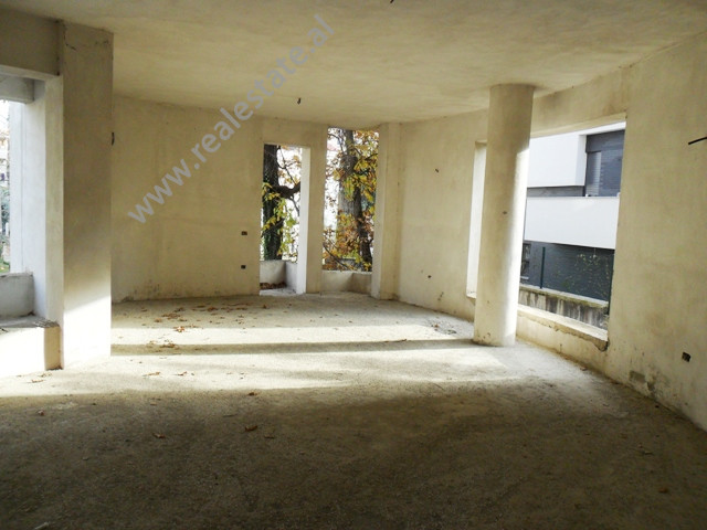 Apartment for sale in Fuat Toptani Street in Tirana. It is situated on the 2-nd floor in a 3-storey