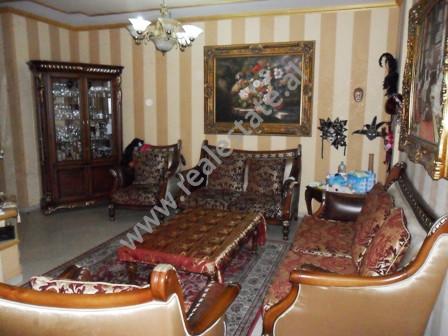 Apartament per shitje prane Tirana Ring Center.  Pozicionohet ne katin e 12-te ne nje pallat te ri