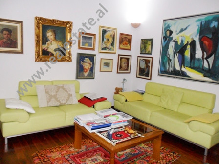 Apartment for sale near Wilson Square in Tirana. It is situated on the 4-th floor in an old buildin