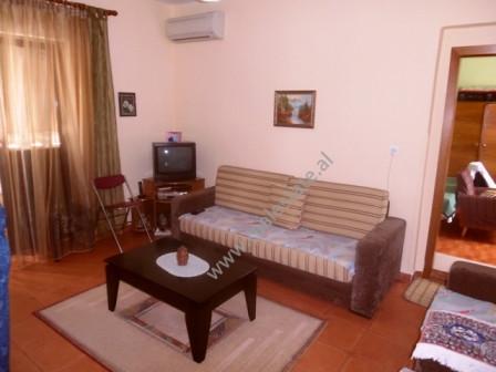 Apartament 2+1 per shitje ne rrugen Shyqyri Ishmi ne Tirane. Apartamenti ndodhet ne katin e 5-te te