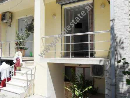 Store for sale in Barrikadave Street in Tirana. It is situated on the first floor in an old buildin