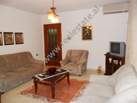 Apartament me qera ne rrugen Bilal Xhaferri ne Tirane. Ndodhet ne katin e 3-te dhe te fundit ne nje
