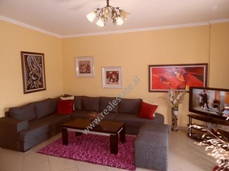 Apartament 2+1 per shitje ne rrugen Bilal Konxholi ne Tirane. Apartamenti ndodhet ne katin e 5-te t