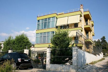 Villa for rent very close to the Artificial Lake and the Park of Tirana.