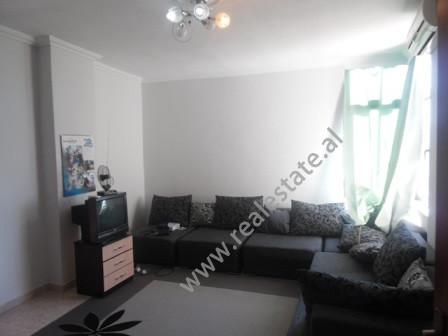 Apartament 2+1 per shitje ne rrugen Sali Butka ne Tirane. Apartamenti ndodhet ne katin e 11-te dhe