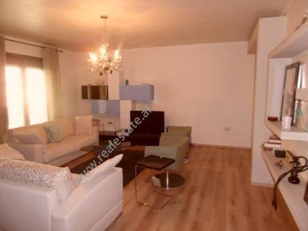 Apartament 2+1 per shitje ne rrugen Isa Boletini ne Tirane. Apartamenti pozicionohet ne katin e 3-t