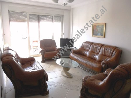 Apartament 2+1 me qera ne rrugen Brigada VIII ne Tirane. Apartamenti ndodhet ne katin e 5-te