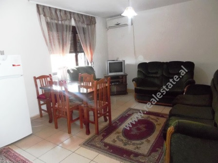 Apartment for rent close to Jeronim De Rada School in Tirana. It is situated on the 3-rd floor of a