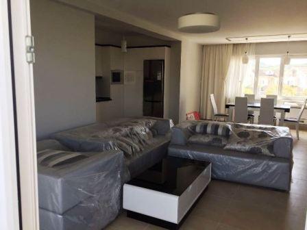 Apartament me qera ne kompleksin rezidencial Sunrise ne Lunder , Tirane. Pozicionohet shume p