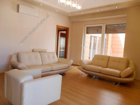 Apartament modern per shitje ne rrugen e Bogdaneve ne Tirane. Pozicionohet ne katin e 6-te ne nje p