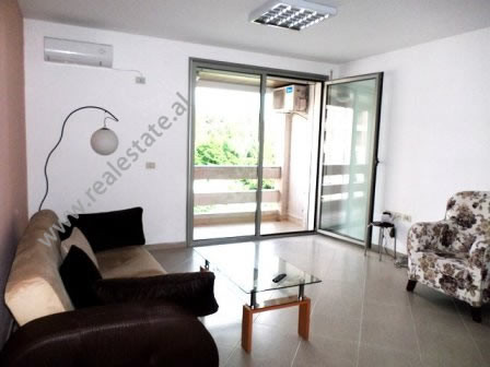 Apartament me qera ne rrugen Sami Frasheri ne Tirane. Apartamenti ndodhet ne katin e 6 te nje palla