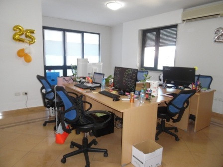 Office for rent close to Kosovo Embassy in Tirana. The office is situated on the 6th floor in a new