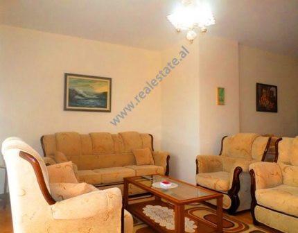 Apartament 1+1 me qera ne rrugen Gjik Kuqali ne Tirane. Apartamenti ndodhet ne katin e V-te te nje