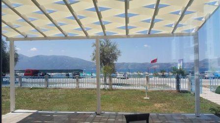 Lokal per qera prane plazhit ne zonen e Radhimes ne Vlore. Lokali ndodhet ne nje kompleks te ri te