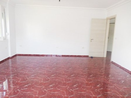 Apartment for sale close to Kodra e Diellit Residence in Tirana. The apartment is situated on