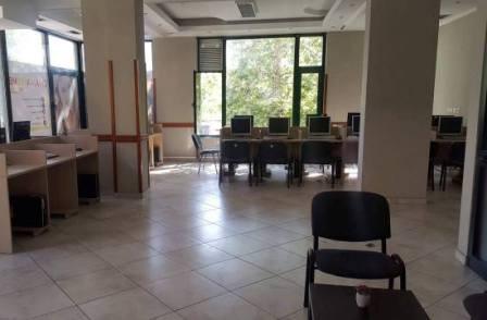 Ambjent per zyre me qera prane kompleksit Vizion + ne Tirane. Zyra ndodhet ne katin e dyte te nje p